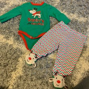 Adorable 3-6 month Christmas outfit